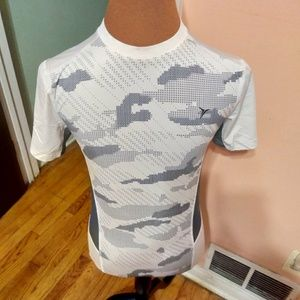 EUC !!!! Boys Old Navy Active Tee